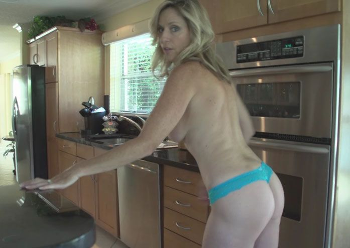 Jodi West - Mothers Special Reward [Clips4Sale] (HD|WMV|419 MB|2018)