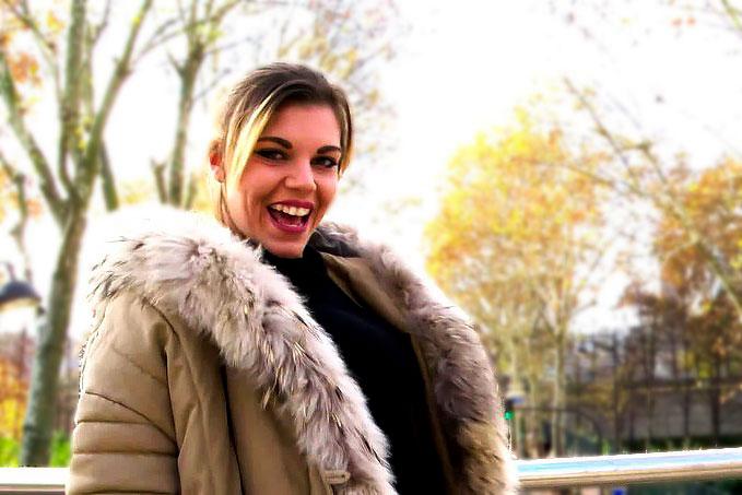 Clementine Marceau - Ines, 18ans, fait monter la temperature ! (FullHD 1080p) - JacquieEtMichelTV - [2018]