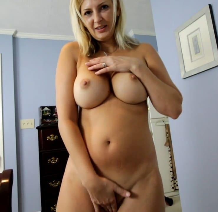 Clips4sale: Ashley Mason Mommies New Panties [SD 480p]