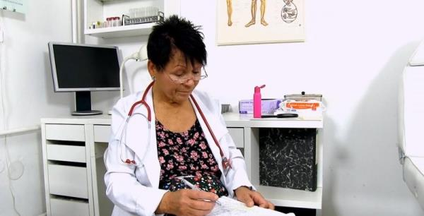 Elma C - Big breasted doctor granny Elma prostate check-up [HD 720p] 2018