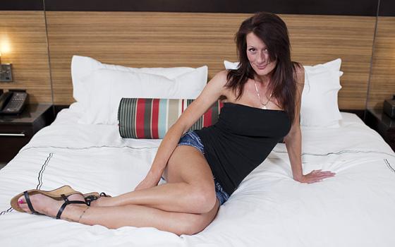 Jolene - Hot 38 year old Texas sex kitten (MomPov) [HD 720p]