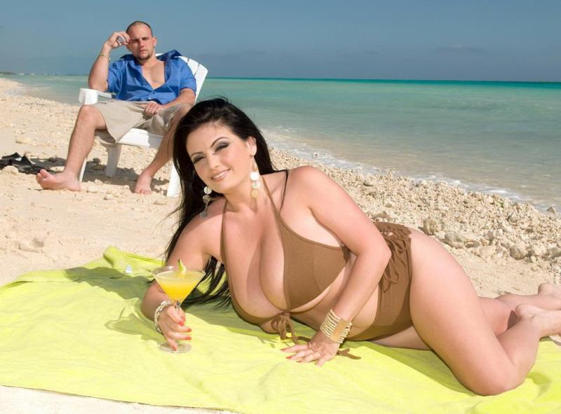 Arianna Sinn - Sand Surf And Snatch (BustyArianna) [HD 720p]