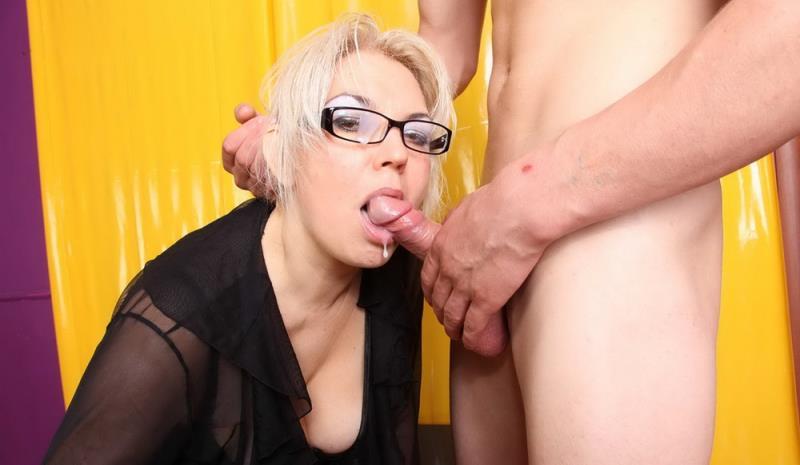 Petra - Cum on her glasses (Boysfuckmilfs) HD 720p