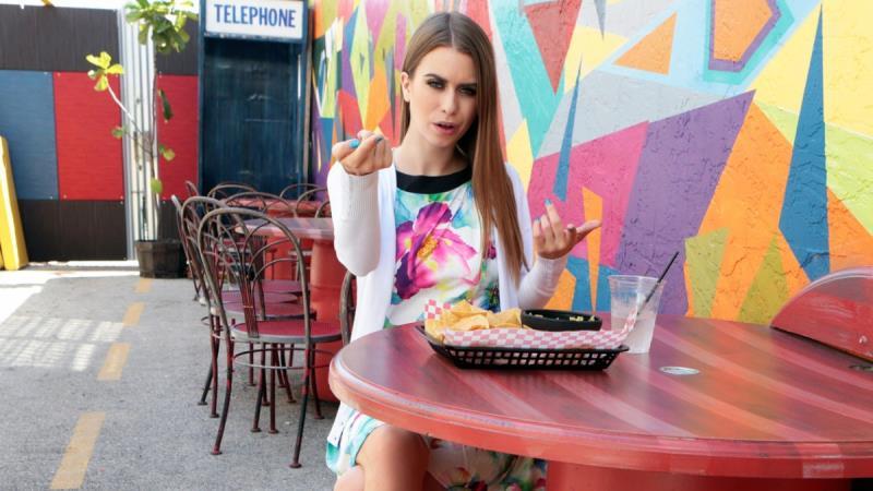 Jill Kassidy - Cafe Cutie Needs Cash (Mofos) [SD 480p]