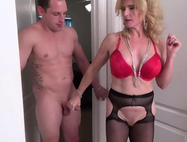 Amanda Verhooks - My Mom Is A Porn Star (2018/HD)