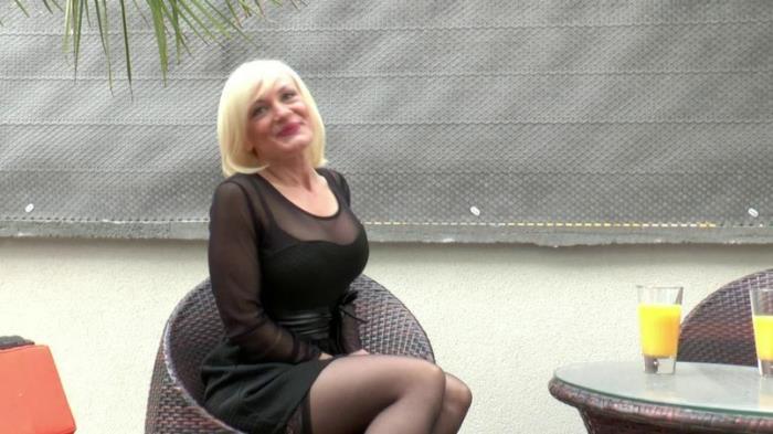 Caroline - Caroline, 38 ans, divorcée, gérante d'une boutique de luxe à Neuilly, pilonnée par tous les trous ! (HD 720p) - JacquieetMichelTV - [2018]