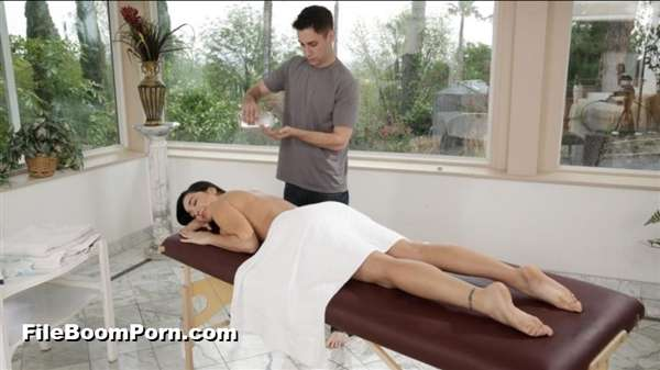 FamilyHookups: Karlee Grey - Stepsibling Massage Reversal [FullHD/1080p/2.46 GB]