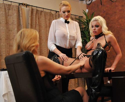 Britney Amber, Julia Ann, Summer Brielle - Pussy Feast (338 MB)