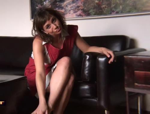 Janey Jones - Wank for Mommies Cunt (HD)