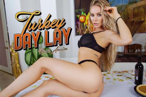 Nicole Aniston - Turkey Day Lay (01.12.2018/BaDoinkVR.com/3D/VR/UltraHD 2K/1920p)