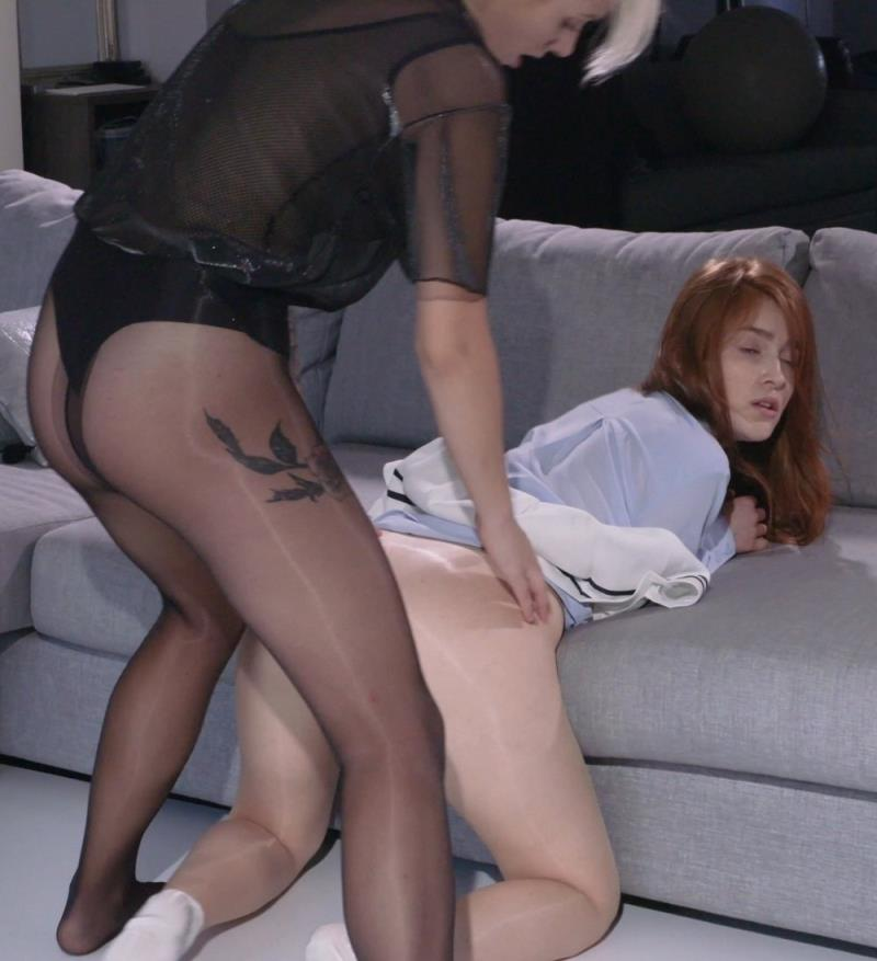 Jia Lissa - Topping the First Time (StraplessDildo) [FullHD 1920p]