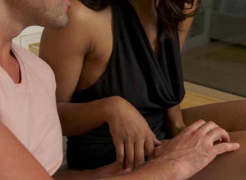 Jenna Foxx - Jenna Foxx Takes a Big Dick For The First Time (1.83 GB)
