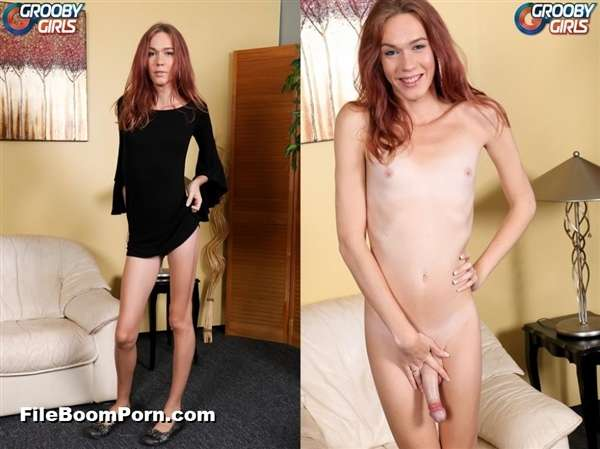 GroobyGirls: Crystal Thayer - Crystal Thayer's Graduation! [HD/720p/434 MB]