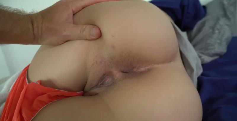 Annika Eve - Sneak Fuck Sis [Clips4Sale] (FullHD|MP4|376 MB|2018)