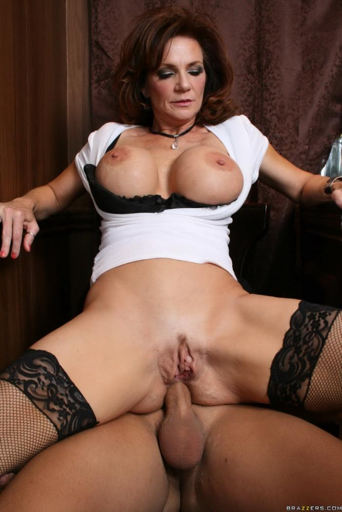 Deauxma - Thirsty for COCKtail (SD 432p) - Brazzers - [2019]