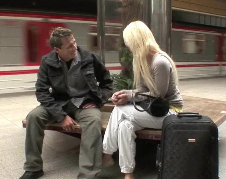Maja: Subway Hookup (HD / 720p / 2019) [CasualTeenSex]