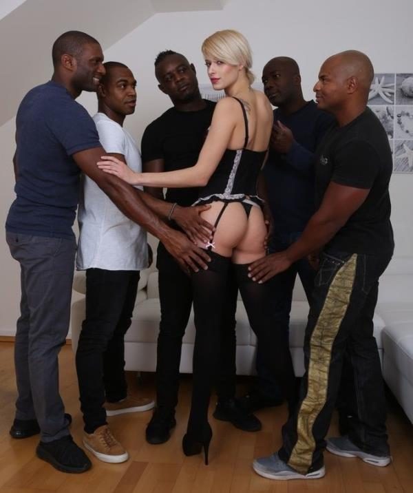 LegalPorno: Ria Sunn - Mini gangbang for Ria Sunn - she comes and has 5 guys fuck the shit out of her IV130 (HD) - 2019