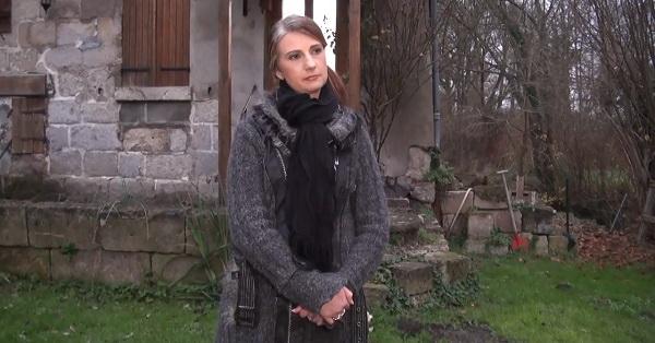 Christina - Christina, 38ans, deux lascars a son chevet ! (Indecentes-Voisines) [HD 720p]
