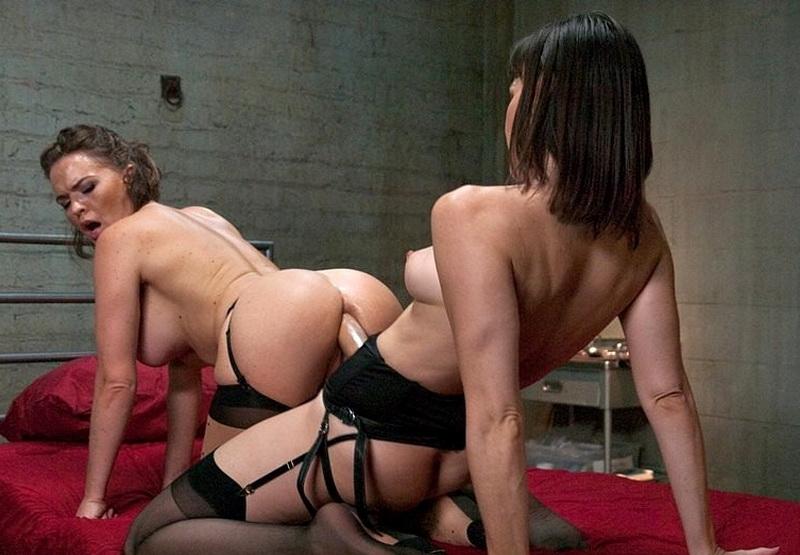 Dana Dearmond, Krissy Lynn: Butt Sluts (SD / 360p / 2019) [Kink]
