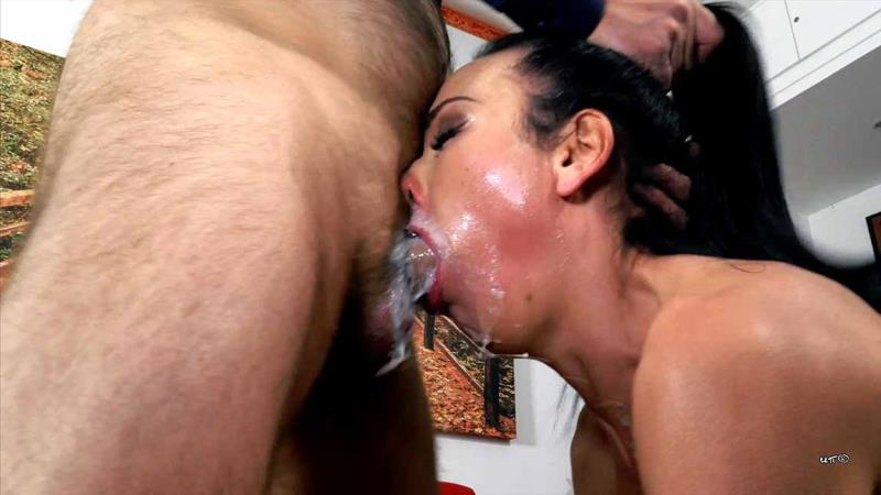 Nataly Gold - VOMIT FALLS ON PRETTY FACE (Clips4Sale) [FullHD 1920p]