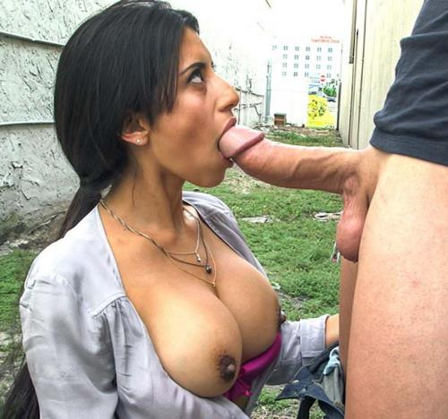 Soffie - Latina Milf anal fucked in public (FullHD)