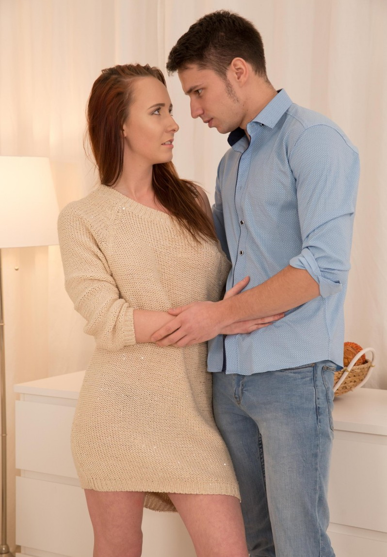 Molly Quinn - Hot couple goes through exciting steps of a fantas (TeenMegaWorld) SD 540p