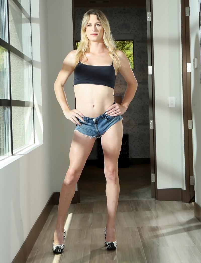 Nikki Vicious: Nikki Vicious Vegas Orgasm (HD / 720p / 2019) [GroobyGirls]