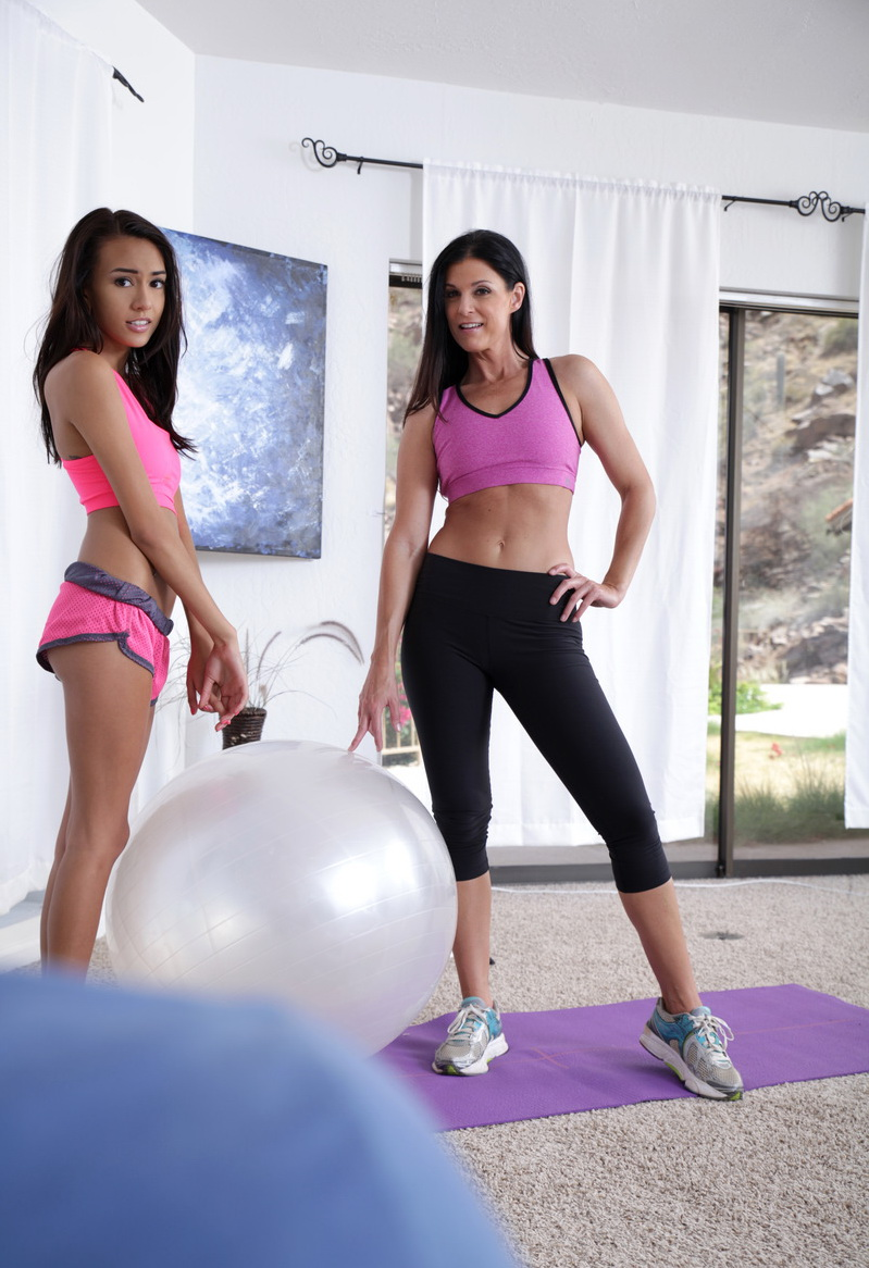 India Summer, Janice Griffith: Make It Sexy (HD / 720p / 2019) [MomsTeachSex]