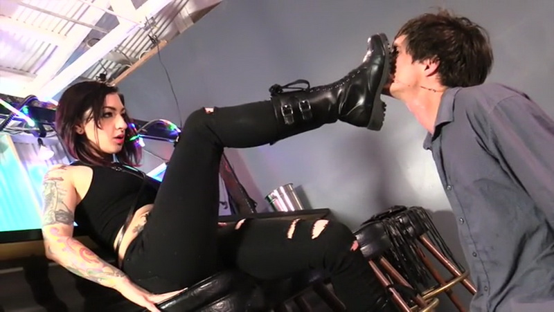 Clips4Sale: Unknown Strap-On Degradation [SD 400p]