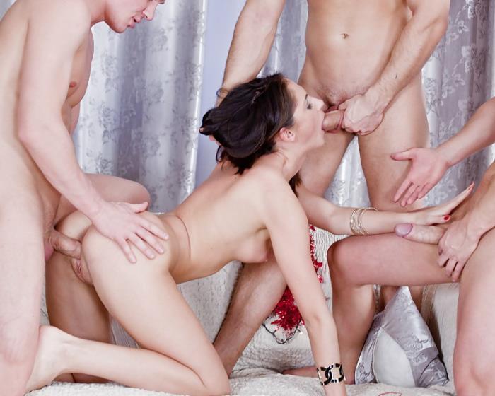 Aruna - Hard Anal Sex On New Years Eve [SD 432p]