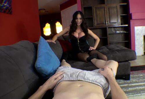 Ariella Ferrera - Mom Wants Her Son (HD)