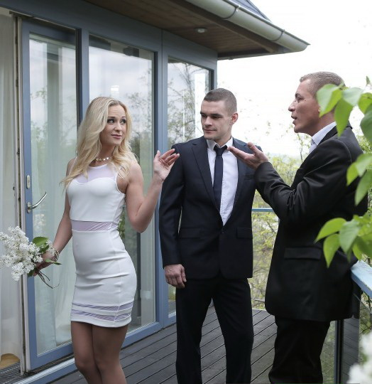 Vinna Reed - High Class Blonde Housewife Gets Dp By Hubby And His Boss [FullHD 1080p] 2019