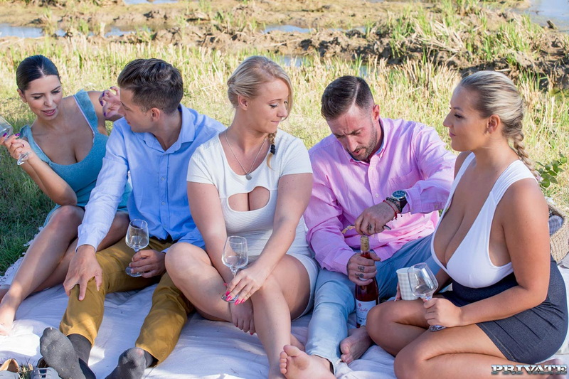 [Private] - Crystal Swift, Bambi Bella, Kira Queen - Kira Queen, Bambi Bella and Crystal Swift, in country orgy (2019 / HD 720p)