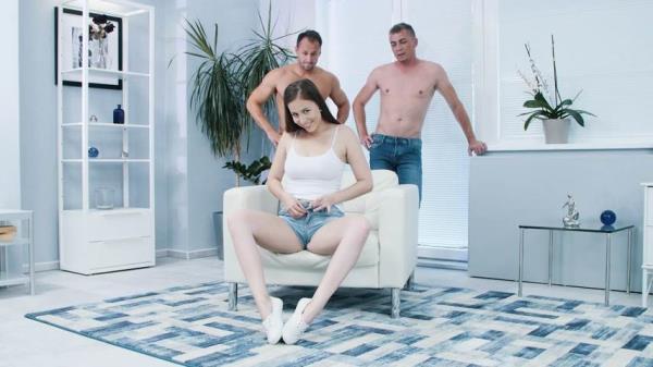 Antonia Sainz - Fill Her Up! (2019/SD)