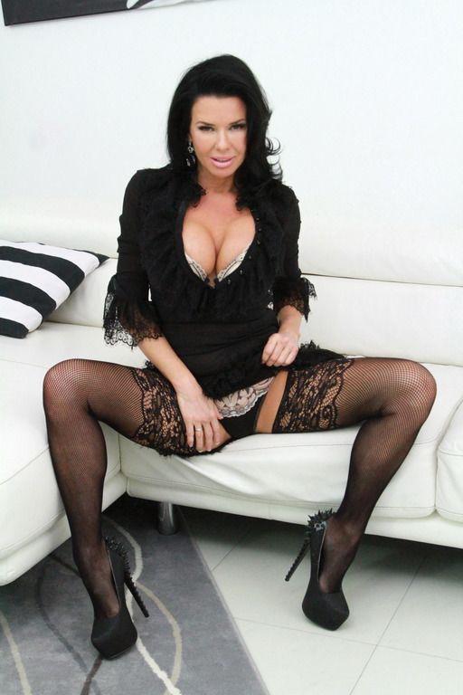 LegalPorno: Veronica Avluv Black Robbers Invade Veronica Avluvs Ass and Pussy AB003 [HD 720p]