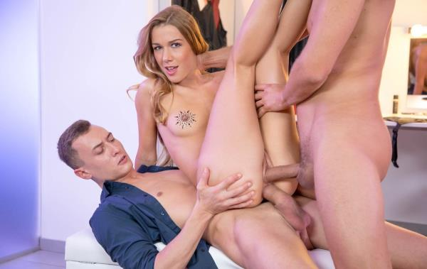 Alexis Crystal - Takes Hardcore DP From Two Big Cocks [HD 720p] 2019