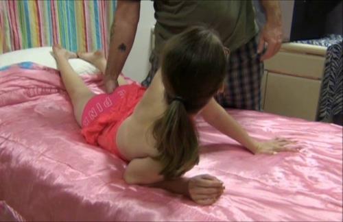 Unknown - Daddy Im Addicted (HD)
