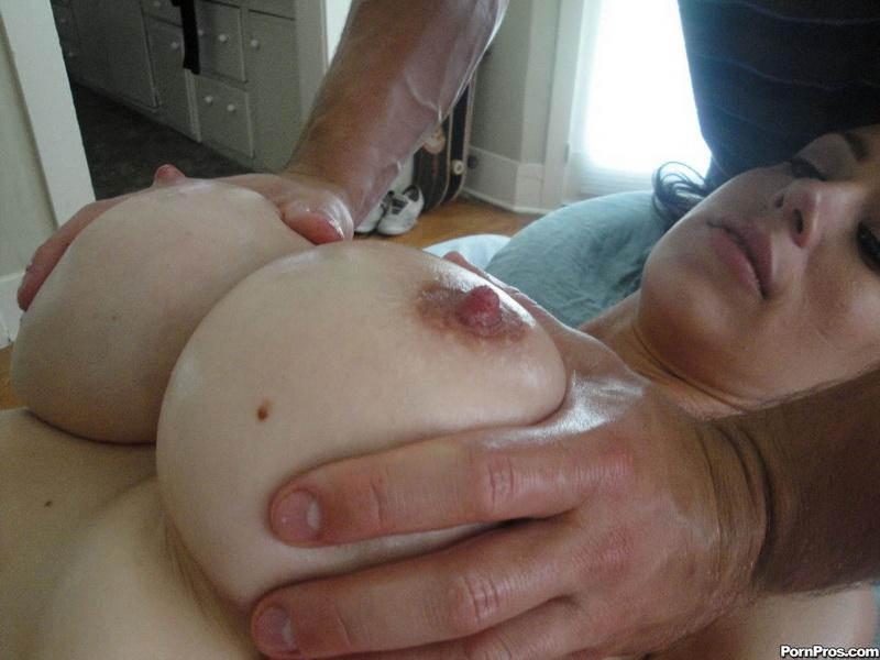 [PornPros] - McKenzie Lee - Pervert Masseuse Fondles (2019 / SD 400p)