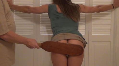 Lacys Short Skirt (25.01.2019/AmateurSpankings.com/FullHD/1080p)