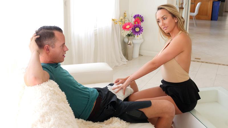 Brett Rossi - Horny Stepmom Massages Stepson's Huge Cock (SpyFam) [FullHD 1080p]