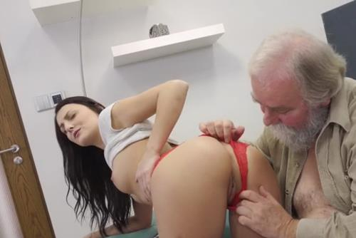 Katy Rose - Cutie finds a new way of passing test (196 MB)