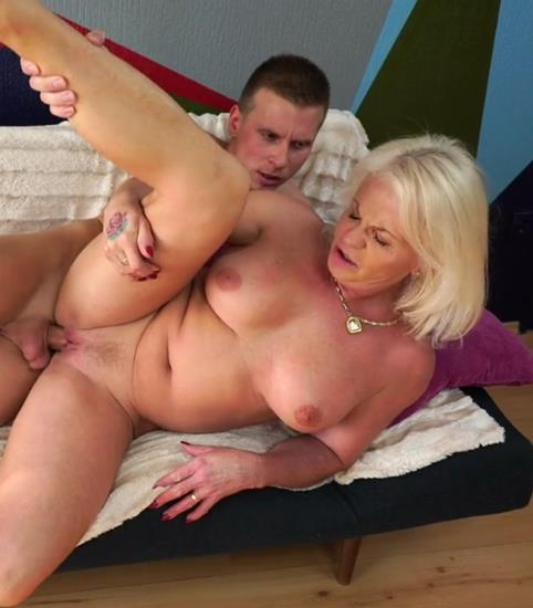 Anett - Trying Antique Pussy (2017/LustyGrandmas.com/21Sextreme.com/HD)