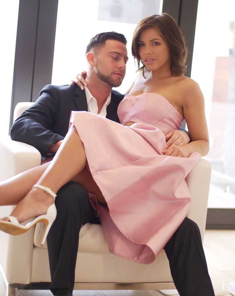 Adriana Chechik - New Years Resolution: Blackmail Stepsister (SpyFam) [HD 720p]