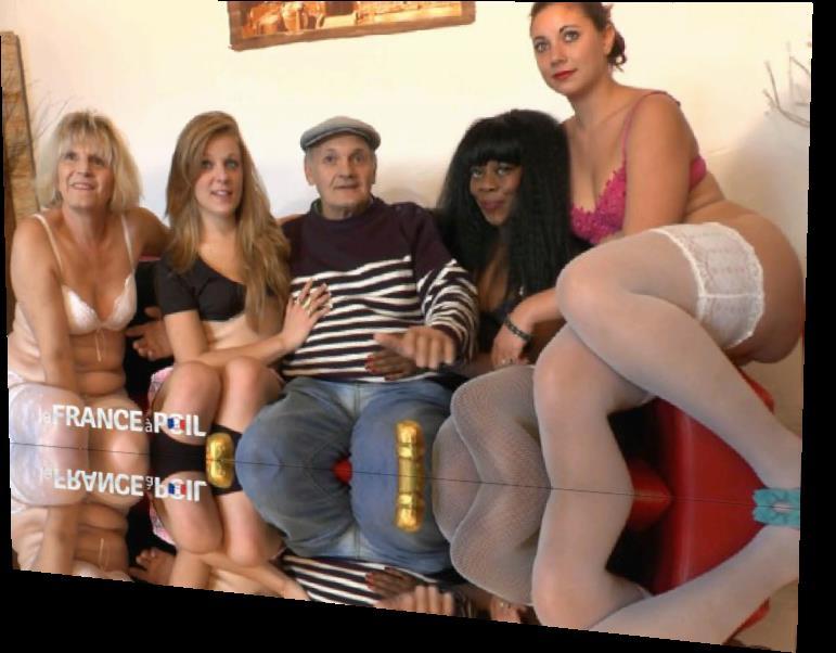 Naomie, Jess - On offre 4 super salopes a Papy voyeur pour ses 70 ans! (LaFRANCEaPoil) [HD 720p]
