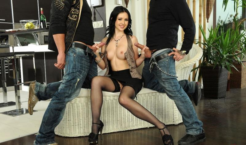 Angell Summers - It been a hard day... (21Sextury) [HD 720p]