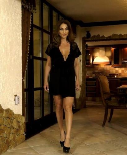 Roberta Gemma - Una matrigna perfetta (2019/HD)