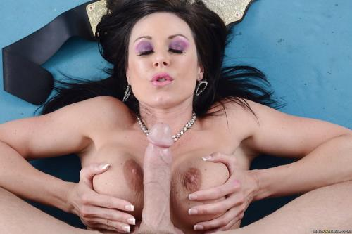 Kendra Lust - All for a Good Piece of Pussy (310 MB)