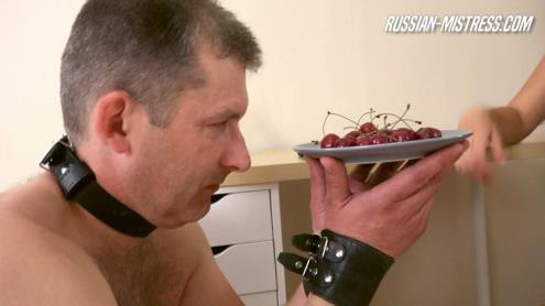 Mistress Salma - Toilet Service (05.02.2019/Russian-Mistress.com/HD/720p)