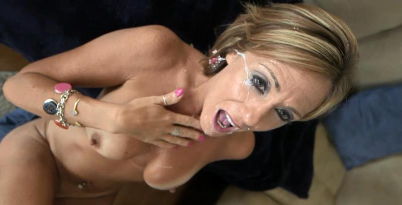 Felicity - Felicity - 44 year old cougar in her sexual prime (MomPov) [HD 720p]