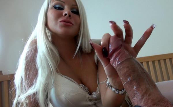 Clips4sale.com - Daniela (aka Daniela Hansson) - Femme Fatale [FullHD 1080p]